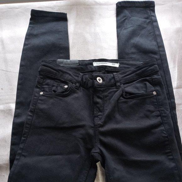 ZARA TRAFALALUC DENIM BLACK SKINNY PANTS